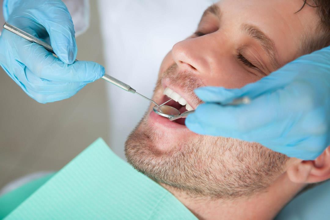 نور الدين مصطفى: عمليات زرع الأسنان أسهل بفضل هذه الأشعة