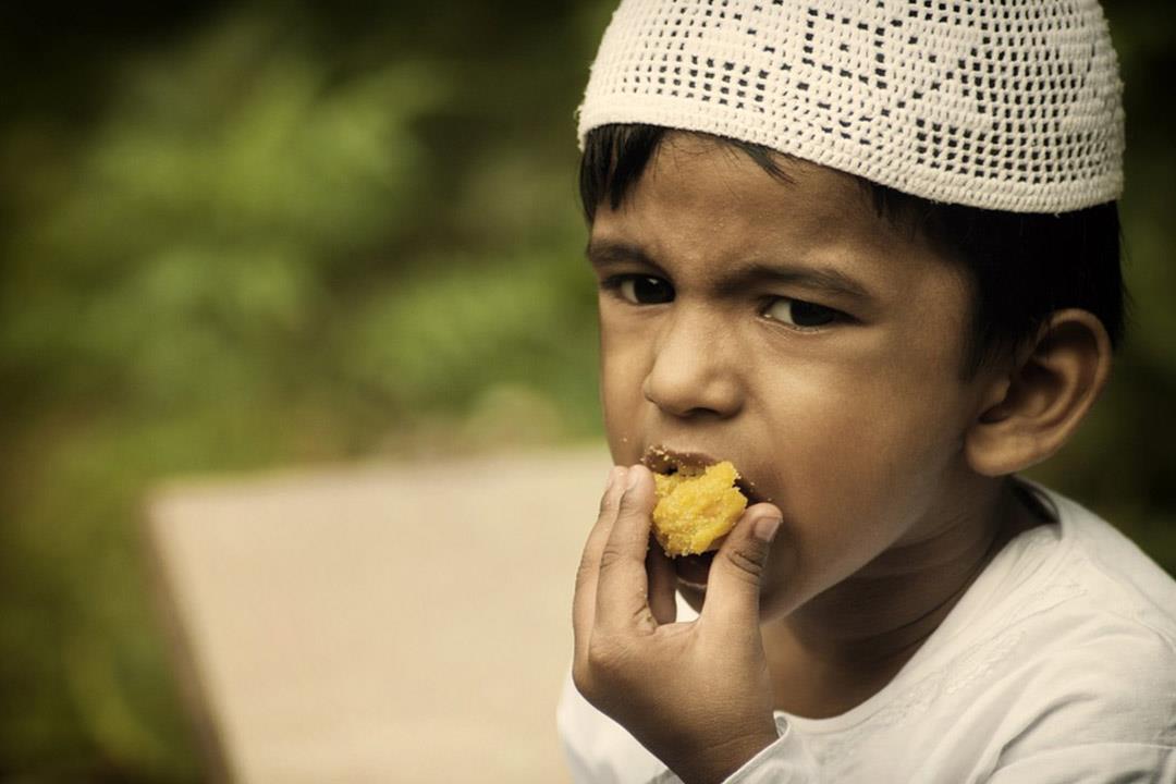 إذا كان طفلك يرغب في صيام رمضان.. إليك هذه النصائح