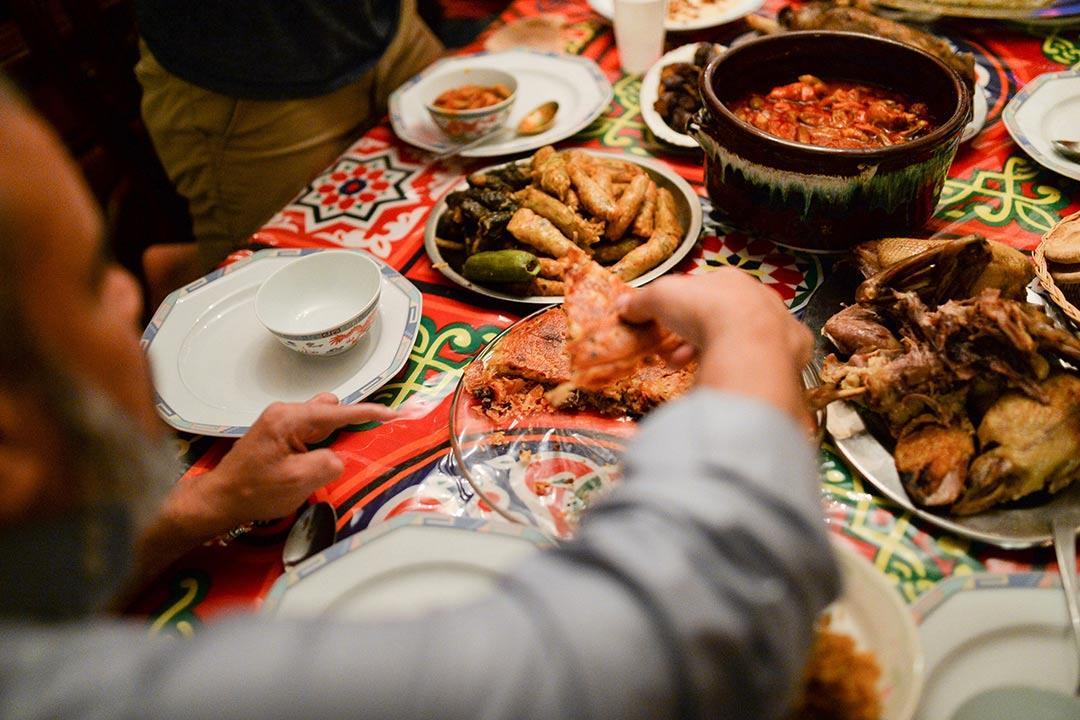 10 نصائح ضرورية لسلامة جهازك الهضمي في رمضان