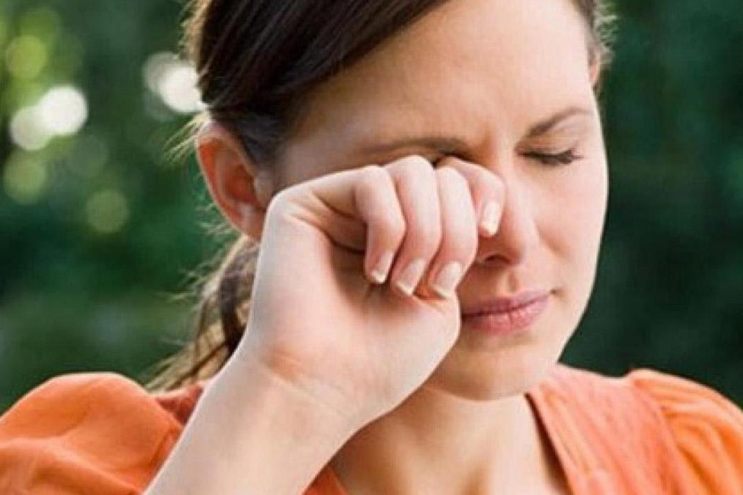 هل تسبب بعض العادات الخاطئة الإصابة بسرطان العين؟