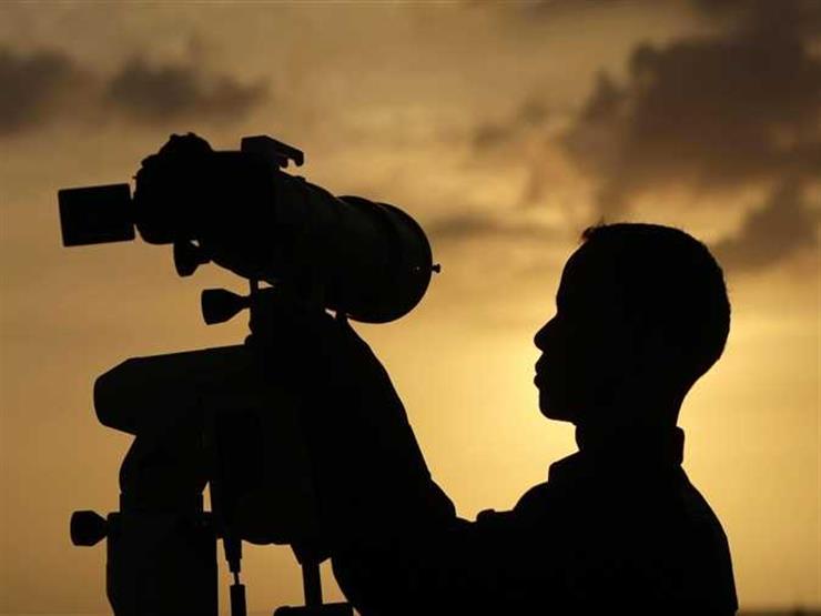 بالفيديو.. المفتي يوضح كيف تتم عملية رؤية هلال رمضان