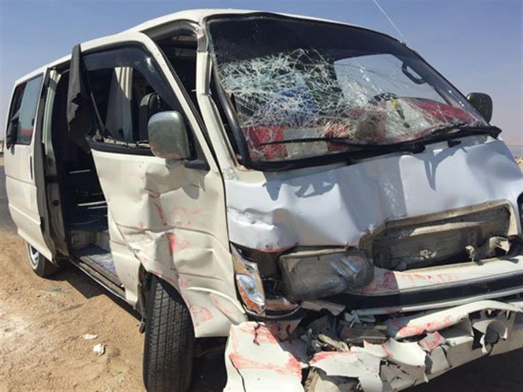 """مصرع مواطن وإصابة 19 في تصادم """"ميكروباص"""" بسيارة أمن مركزي بالبحيرة"""