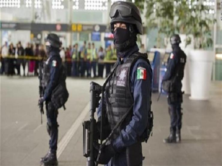 المكسيك تعتقل متطرفا في مركز احتجاز للمهاجرين وتسلمه إلى واشنطن
