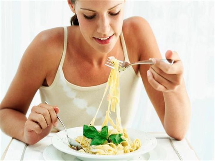 تناول الأرز والمكرونة يعجلان بموعد انقطاع الدورة الشهرية