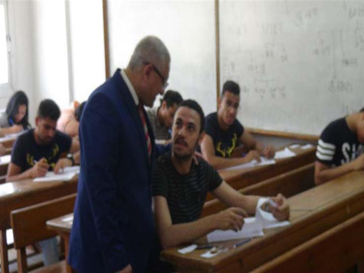 رئيس جامعة المنيا يتفقد امتحانات  الألسن  و السياحة ...مصراوى