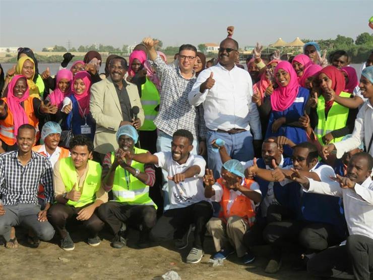 """من 20 """"سندوتش"""" إلى أربعين مليون وجبة.. رحلة """"فارس"""" لإنقاذ تلاميذ السودان"""