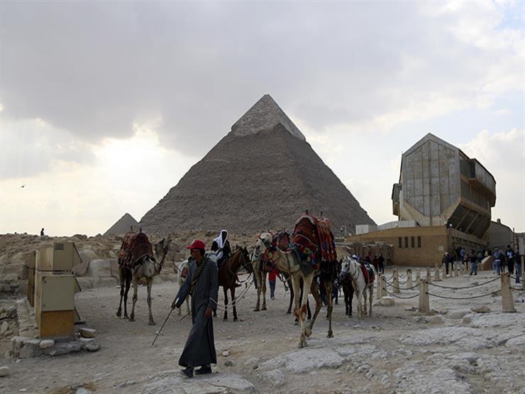 دراسة تتوقع انخفاض إيرادات السياحة في مصر 72.6% بسبب كورونا