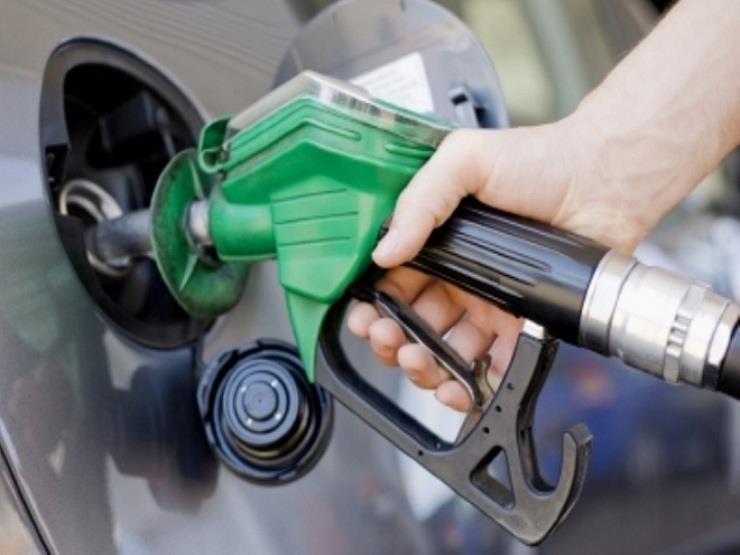 """مؤكدا عدم تراجع الحكومة.. """"برلماني"""" يكشف موعد رفع أسعار البنزين"""