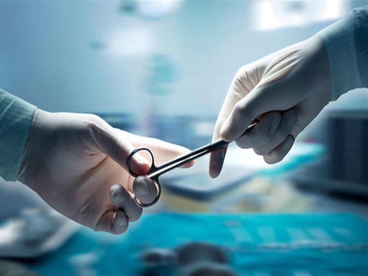 """""""كانت هتعمل اختبار حمل"""".. طبيب يجري عملية إجهاض لمريضة بالخطأ"""
