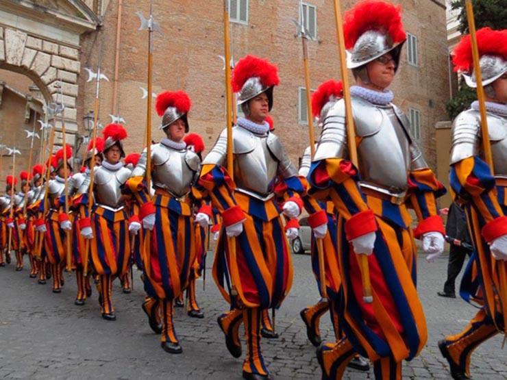 الحرس السويسري في الفاتيكان يستقبل مجندين جدد