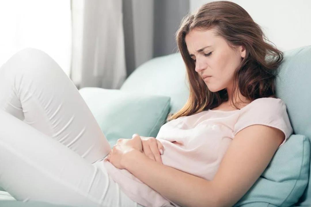 طرق طبيعية للتغلب على آلام الدورة الشهرية