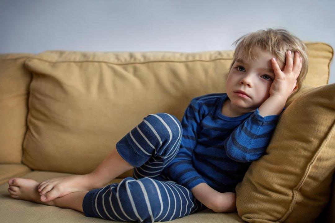 لا تضربه.. طفلك لا ينسى الإهانة (فيديو)