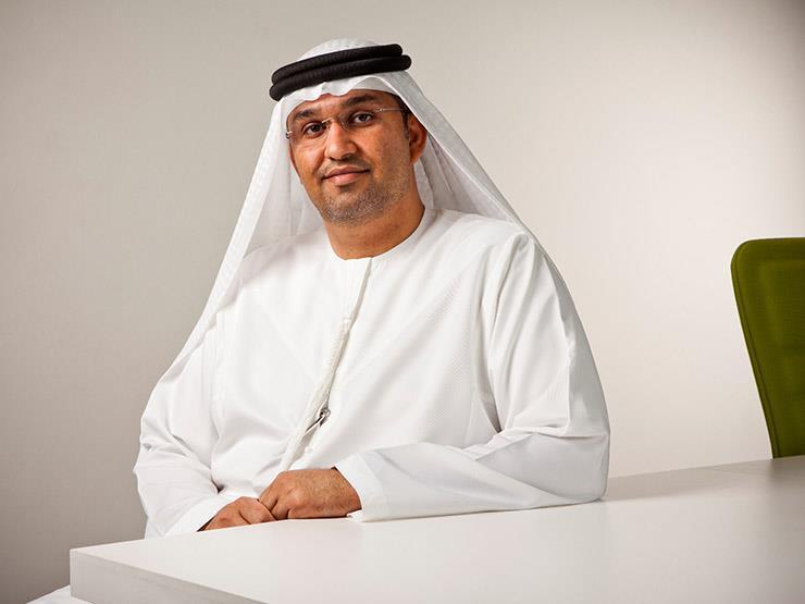وزير الدولة الإماراتي للإعلام يصل القاهرة