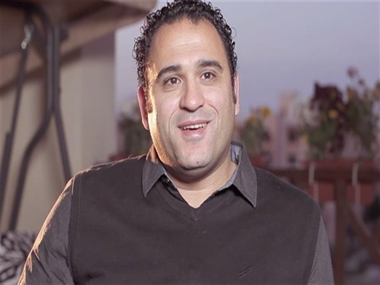 """أكرم حسني يحتفل بوصول """"أبو شنب"""" لمليون مشاهدة في 9 ساعات"""