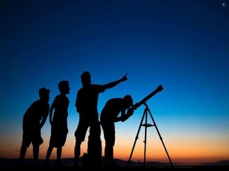 """رئيس """"البحوث الفلكية"""" يكشف موعد عيد الفطر المبارك فلكيا"""
