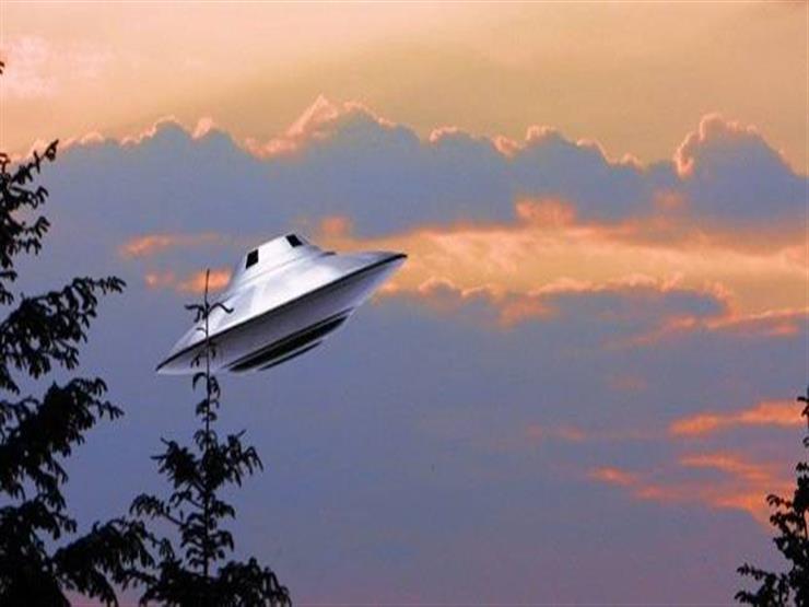 ظهور جسم فضائي كبير في سماء موسكو