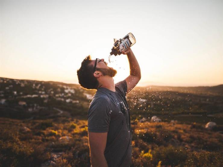 كيف يعاقبك جسمك على عطشه للمياه؟
