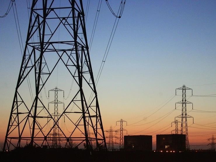 900 مليون دولار قرضًا للشركة القابضة للكهرباء من بنوك أجنبية ومحلية