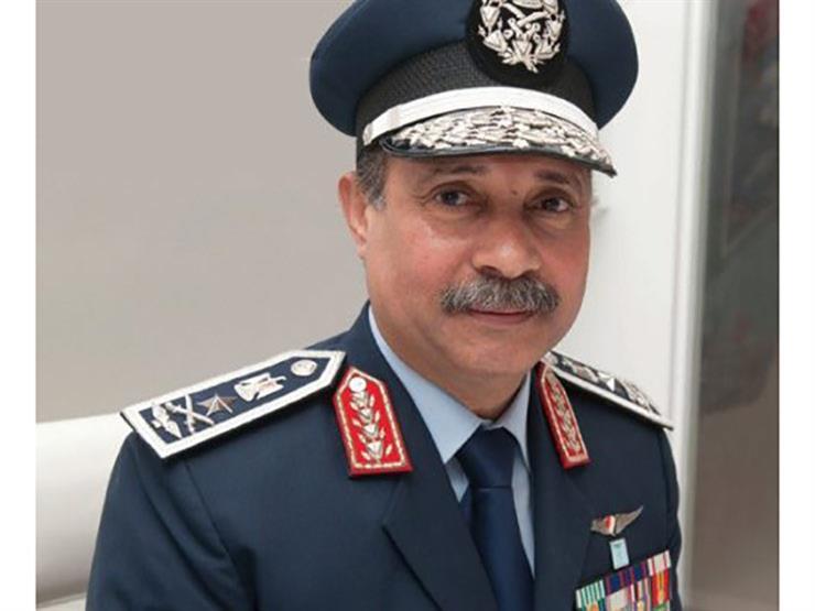 وزير الطيران الجديد يصل مقر الوزارة لبدء مهام عمله