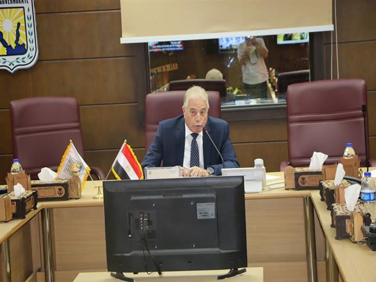محافظ جنوب سيناء يوجّه بإلزام جميع سائقي سيارات الأجرة بالتعريفة الجديدة