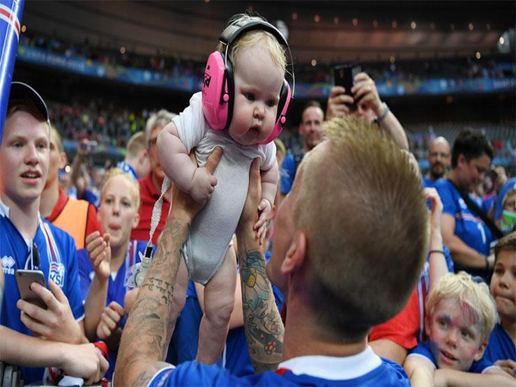 ما علاقة تنظيم كأس العالم بزيادة سكان الدولة المستضيفة؟