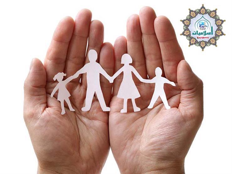 خلافات عائلية تمنعني من صلة الرحم بأمر من والدي.. فما حكم الشرع؟