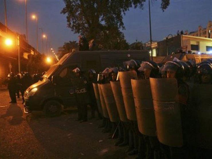 الأمن يفض تجمهرًا أمام قسم حدائق القبة بعد وفاة شاب في الحجز