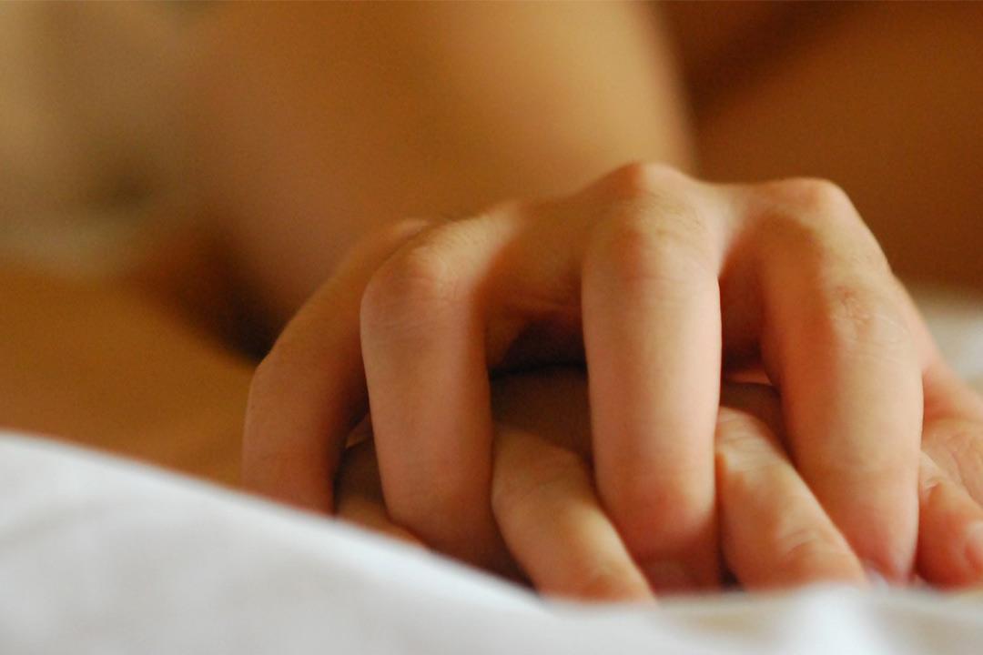 هل للجنس الفموي أضرار؟