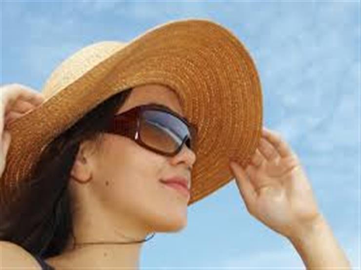 كيف تضعين كريم الشمس دون إفساد مكياجك؟
