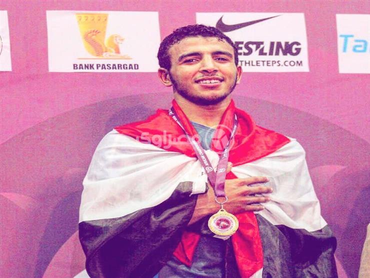"""صاحب فضية """"مصارعة المتوسط"""": محتاج دعم عشان أكمل.. وحلمي أولمبياد 2020"""