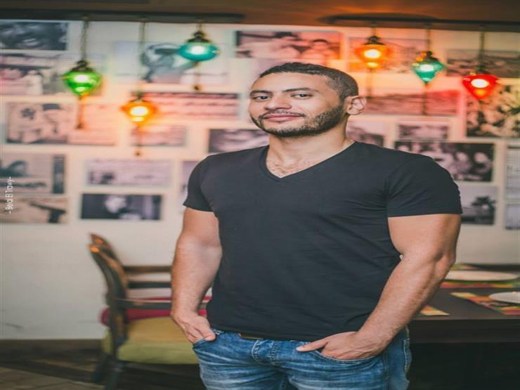 """مخرج """"رحيم"""" محمد سلامة يشيد بحسن حسني: """"أجمل حد تشتغل معاه"""""""