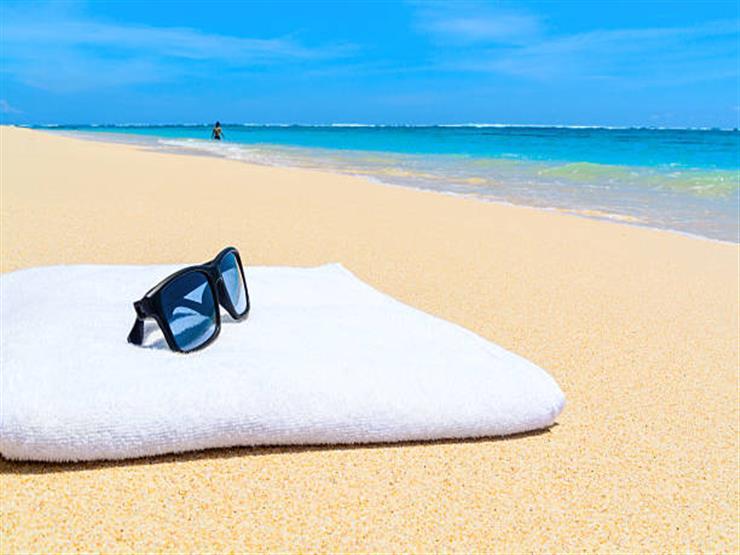 لقضاء مصيف آمن.. 7 نصائح عليك مراعتها عند غسل مناشف البحر