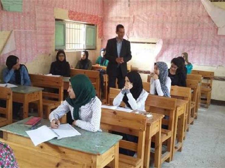تعليم الوادي الجديد : 8 طلاب غياب في امتحان  الاقتصاد والإح...مصراوى