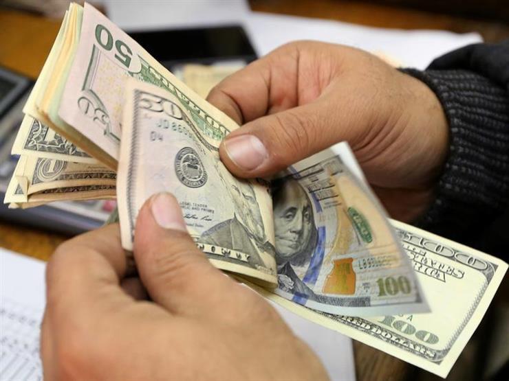 الدولار يواصل تراجعه أمام الجنيه ويهبط في 7 بنوك بنهاية التعاملات