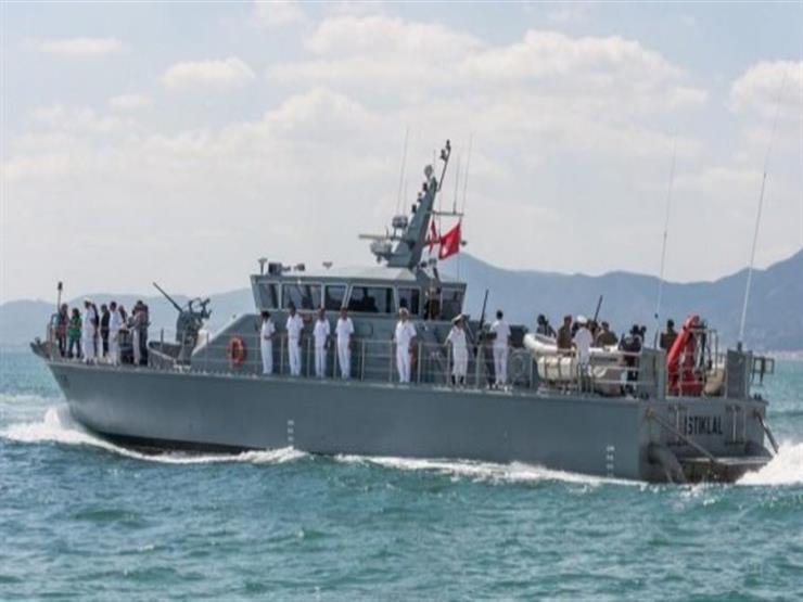 البحرية التونسية تنقذ 74 مهاجرا تونسيا في عرض البحر