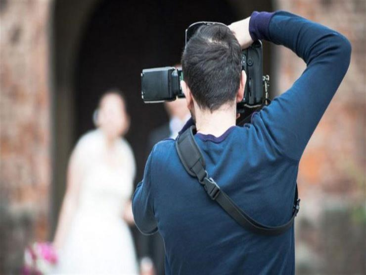"""""""لم أندم على فعلتي"""".. مصور يضرب عريس ويكسر أنفه والسبب """"العروسة"""""""