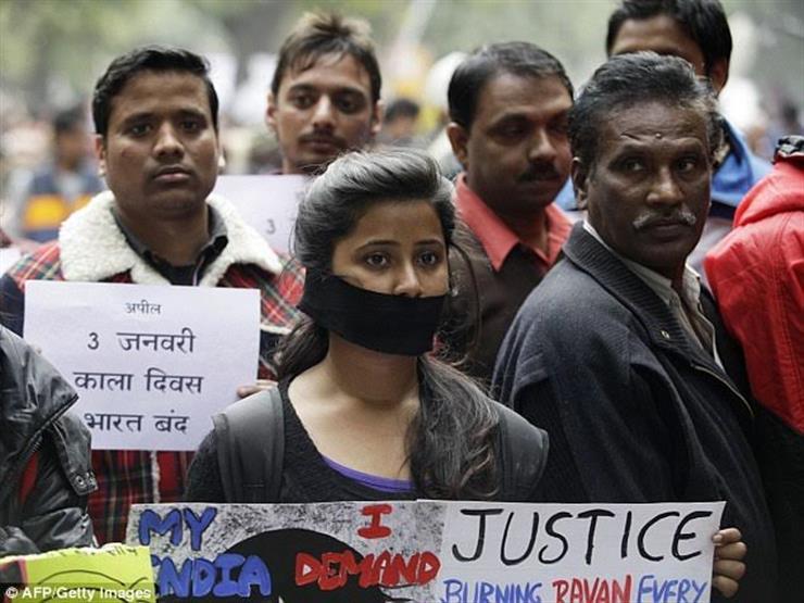 """أثارت الرعب .. """"عصابة اغتصاب الفتيات """" تقع في قبضة الشرطة في الهند"""