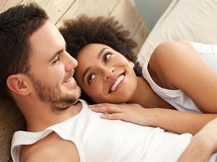 منها التين البرشومي والبطيخ.. أطعمة يفضل تناولها قبل العلاقة الحميمة