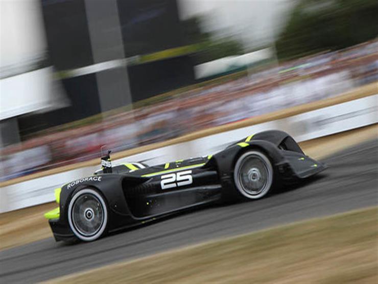 """""""Robocar""""  أول سيارة سباقات ذاتية القيادة بقوة تتخطي الـ 500 حصان - فيديو"""