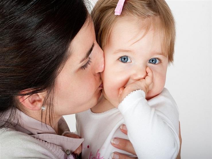 أمراض يمكن أن تنتقل من الأم إلى أبنائها