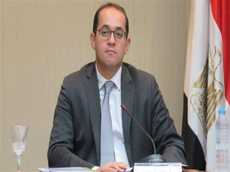 """نائب وزير المالية: """"رغيف الخبز بمصر الأرخص في العالم"""""""