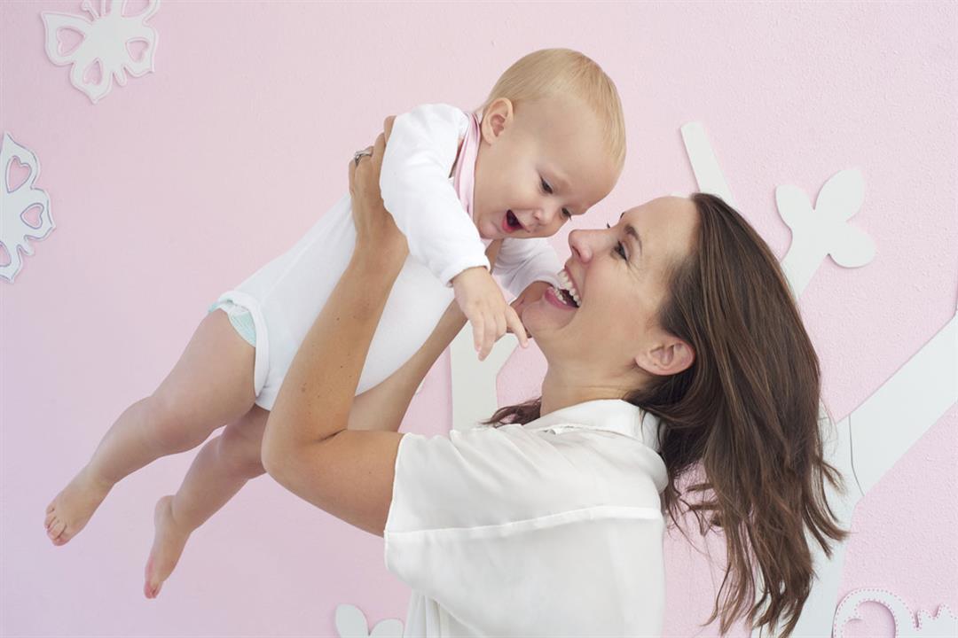 هل حمل الطفل يضعف عضلاته؟
