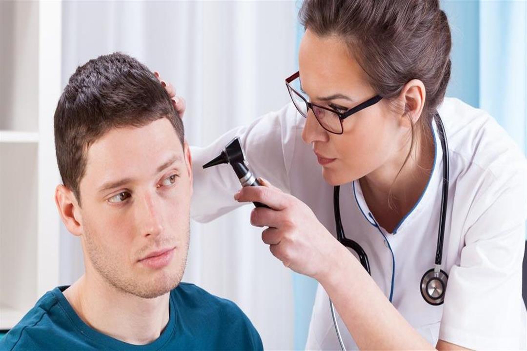 التهاب الأذن الضغطي قد يسبب تمزق الطبلة.. إليك الأسباب والعلاج
