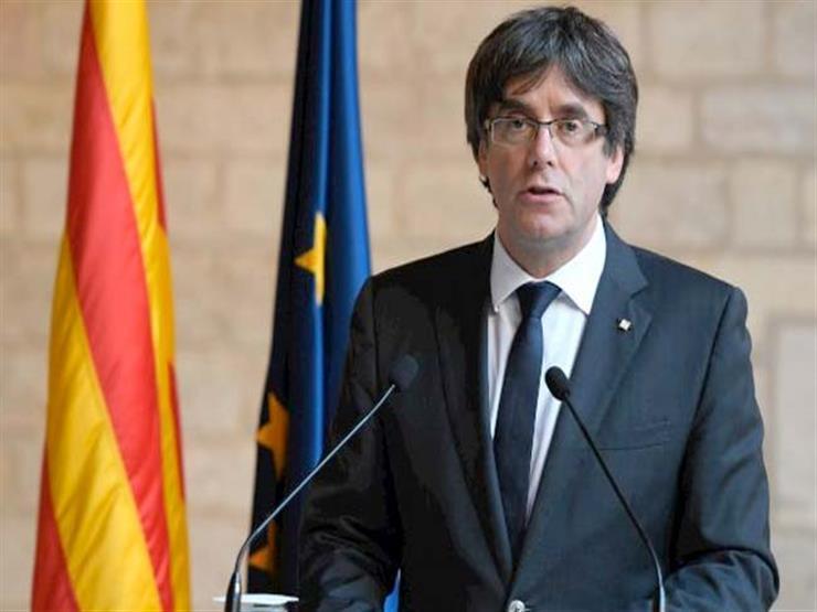 الآلاف يتظاهرون في إسبانيا بعد قرار المحكمة العليا بوقف زعيم كتالونيا عن منصبه
