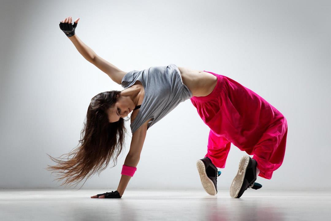 كيف يساعد العلاج بالرقص في الشفاء من الأمراض العضوية والنفسية؟