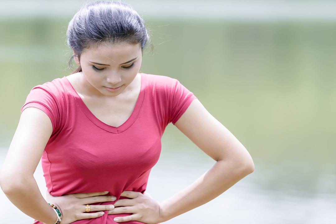 5 أعراض لقرحة عنق الرحم.. منها آلام الظهر
