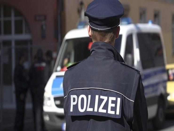 رجل يطعن موظف أمن بسكين في رأسه في مطار دوسلدورف غربي ألمانيا