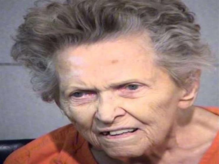 عجوز أمريكية في الـ92 تقتل ابنها حتى لا ينقلها إلى دار للرعاية