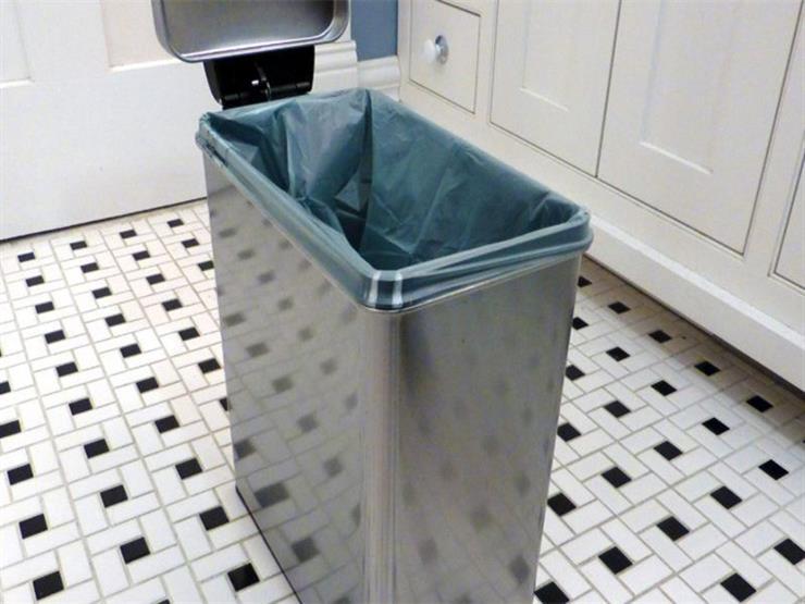 في الصيف.. كيف تتخلصين من رائحة سلة القمامة الكريهة؟