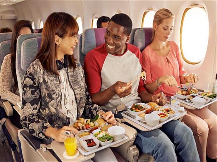 6 حقائق قد لا تعرفها عن الطعام على متن الطائرة